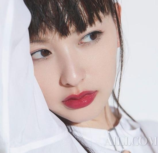 学日本女生这样化妆精致又时髦