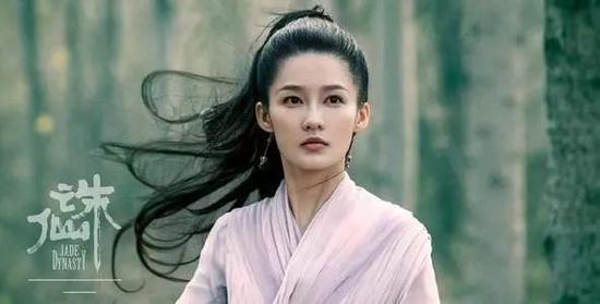 为什么李沁倪妮脸没得有特色?那是因为