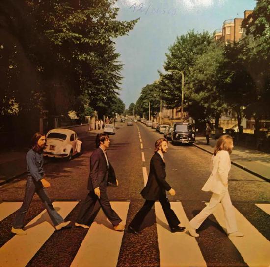 (披头士乐队专辑《Abbey Road》封面)