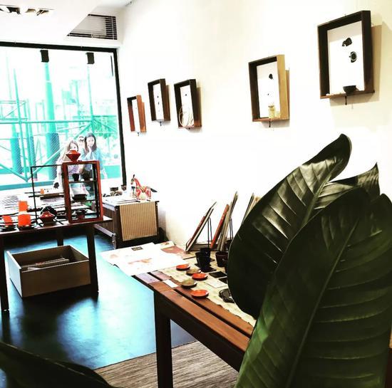 极富艺术感的作品,各有特色, 在这个空间里,给人不同的惊喜。