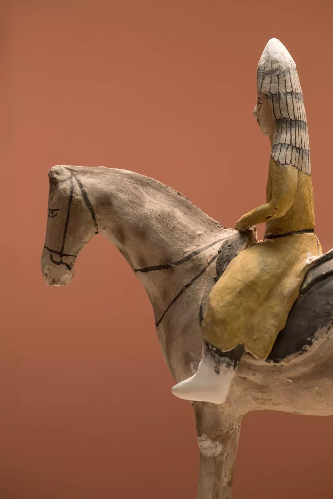 彩绘骑马武士俑,唐代 1964年吐鲁番阿斯塔那29号墓出土 新疆维吾尔自治区博物馆藏 (摄影/范立)