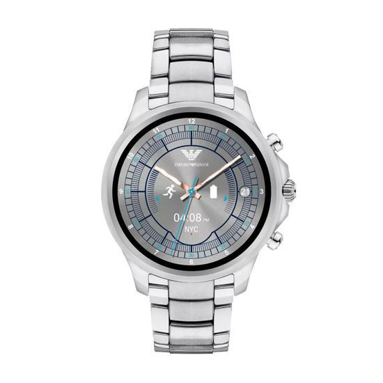 这款2017年年末才全新亮相的智能腕表将又一个时装大牌带入了智能腕表的领域。