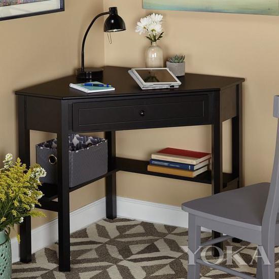 一个角桌放下笔记本就可以办公了 图片来自宜家家居