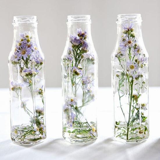 将干花储藏在透明的密封容器里 图片源自www.brit.co
