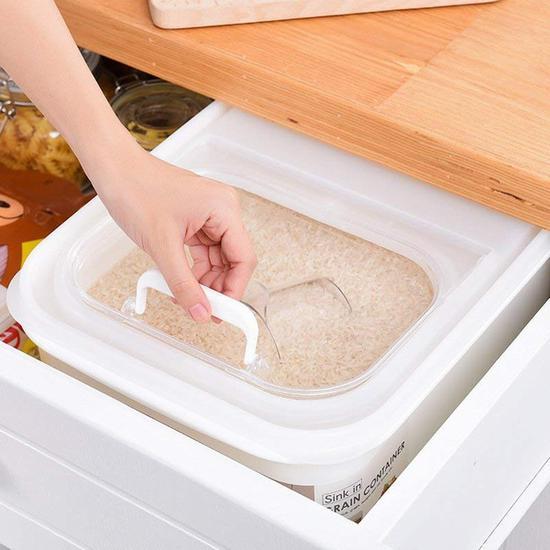 寻芳 翻盖式日式米桶 价格55元 亚马逊有售 图片来自www.amazon.cn