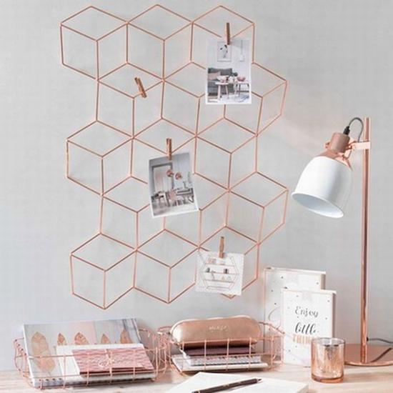 网格状的照片墙 图片源自www.futuristarchitecture. com