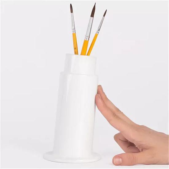 这个笔筒的原型大家都知道,只不过这次不会有人用它做思想实验了