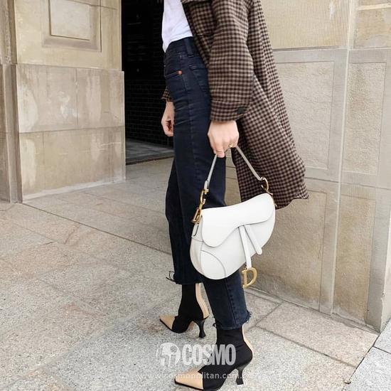 包袋来自Dior