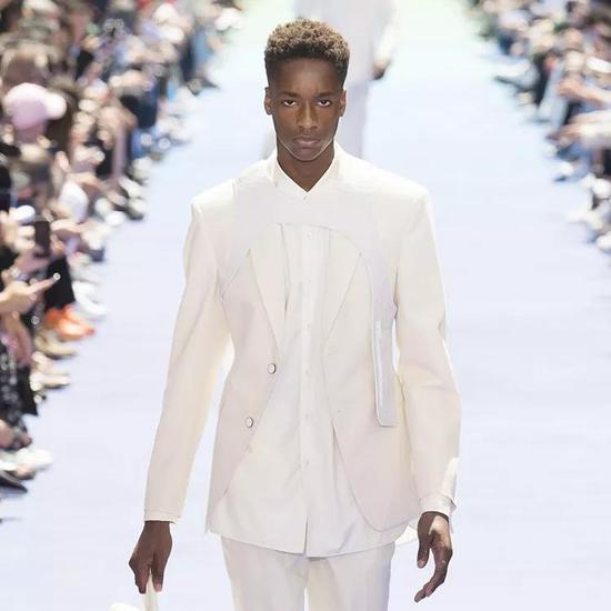 Louis Vuitton 2019 春夏男装秀场造型