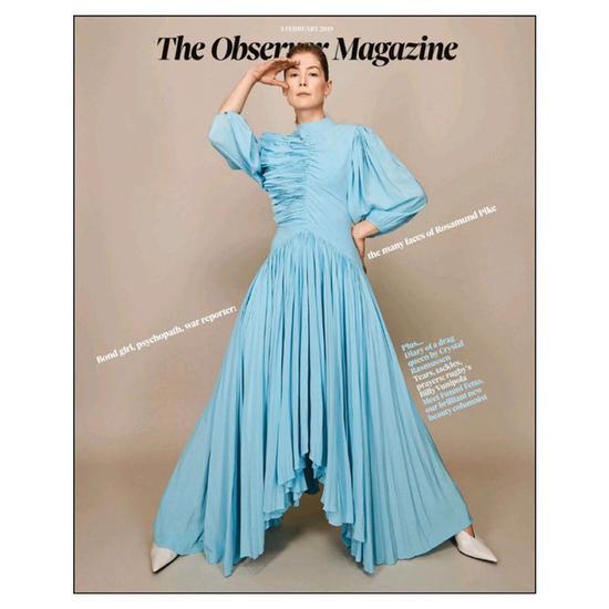 连衣裙来自Givenchy