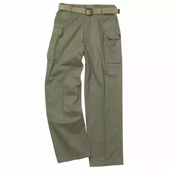 (上图中美军的U.S。 GI HBT Fatigue Pants WWII也在1941引用了这种面料。)