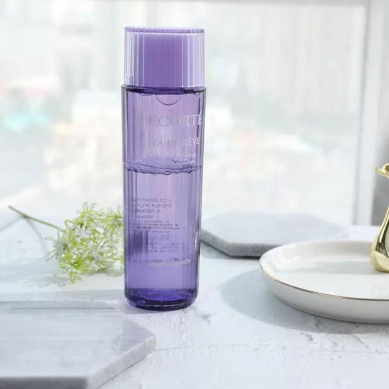 拍足二十下才能把化妆水拍进皮肤里?看这篇文章来击碎谣言