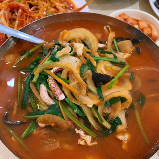 海鲜汤面|拍摄卢其谙