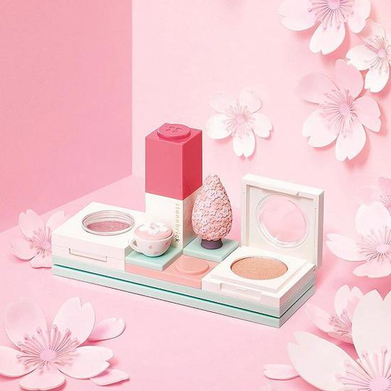 积木口红好看又好玩 韩国星巴克 x stonebrick 合作推出彩妆系列