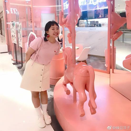 微胖女孩这样穿 立马显瘦10斤