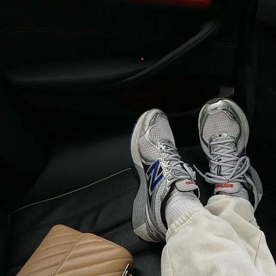 """舒服又""""增高""""的厚底运动鞋 你该怎么买"""