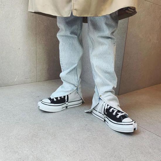 韩国童颜球鞋女神 穿搭也一样王炸