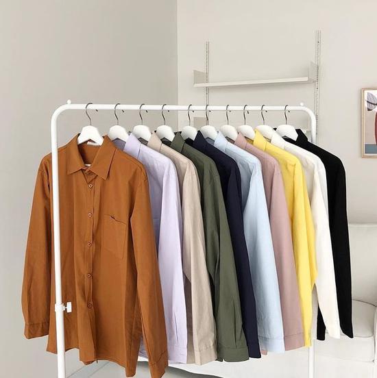 除了黑白灰穿衣搭配时还有哪些经典的配色?