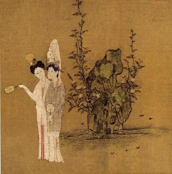 宋 钱选《招凉仕女》,右边女子佩戴重楼子花冠
