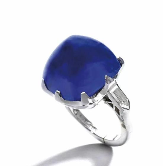 主石为25.87ct面包山切割克什米尔蓝宝石
