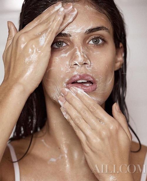 肌肤泛红敏感 可不全是换季惹的祸