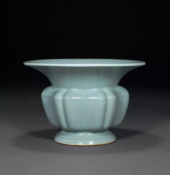 唐英研制的仿钧天蓝釉是这样的