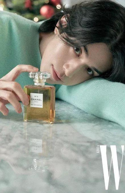 cr:W Korea」Chanel Beauty 12月刊画报