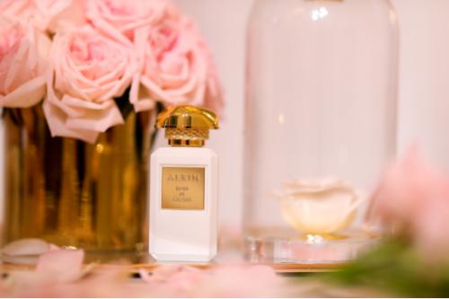以玫瑰之名雅芮大师系列首款香精臻品 格拉斯千叶玫瑰典雅上市