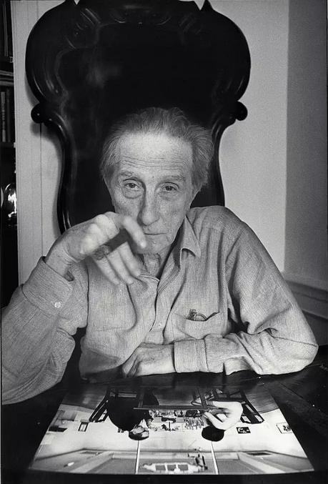 马赛尔·杜尚与他的画作《杜尚博弈》
