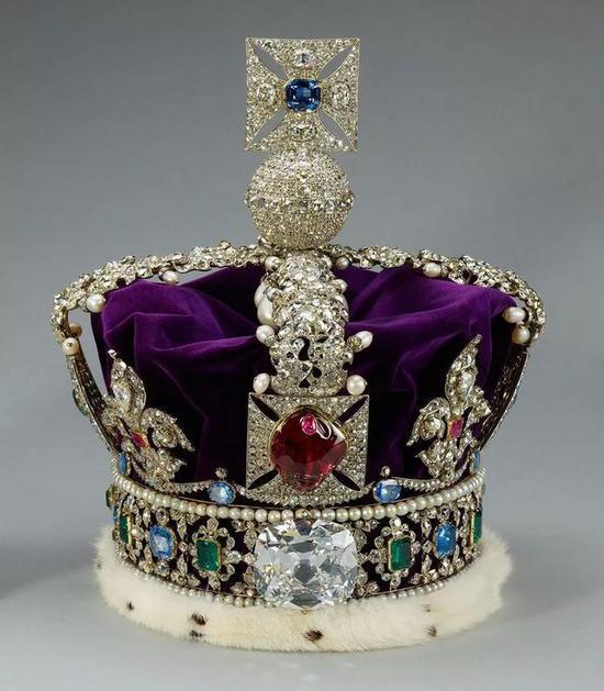 英国王冠竟镶错了大宝石?