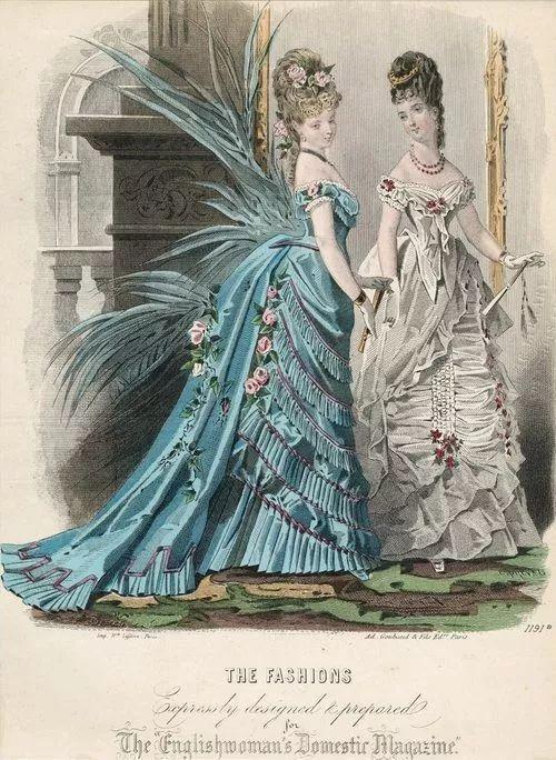 △ 维多利亚时期的束胸连衣裙