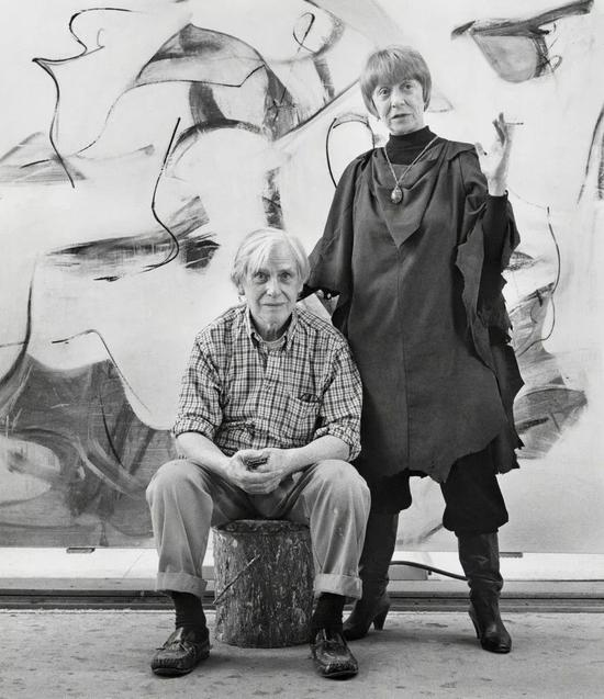玛丽安娜·库克(Mariana Cook),《威廉与伊莲·德·库宁,纽约东汉普顿》(Willem and Elaine de Kooning, East Hampton, New York),1983,图片致谢 Lee Marks Fine Art