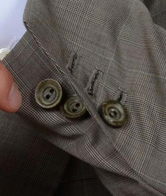 实用性不强的袖扣