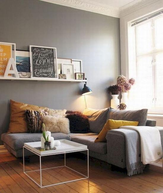 鲜活明快的姜黄色抱枕 图片源自livingmarch.com