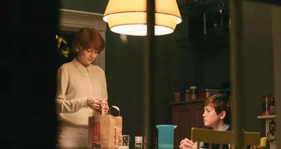 戛纳影后艾米丽·比查姆《小小乔》