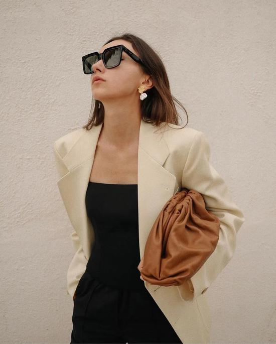 衣服穿得普通不要紧 耳环一定要够美