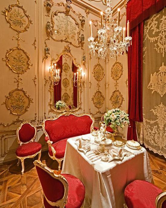 宫殿内的房间设计 图片来源自Pinterest@Dorien Luikel-Hooghof
