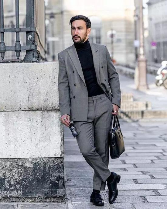 2。大衣+高领毛衣