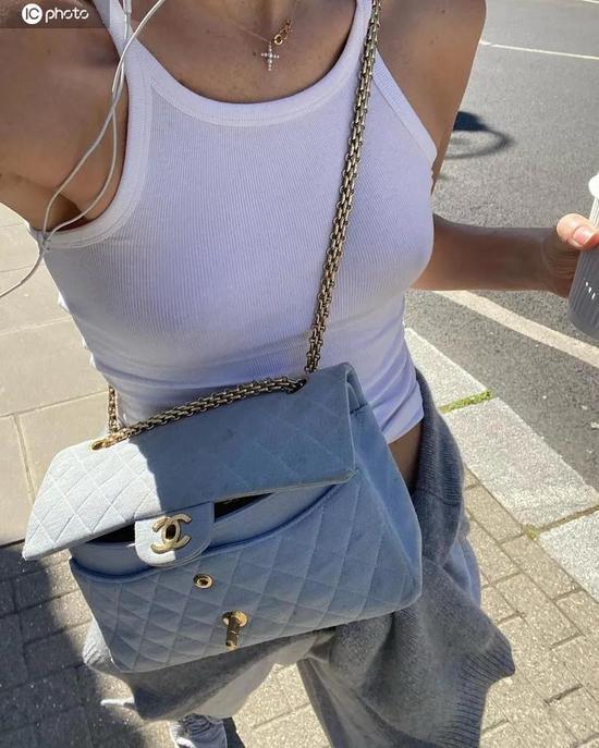 夏日清爽很简单穿背心短裤就美啦
