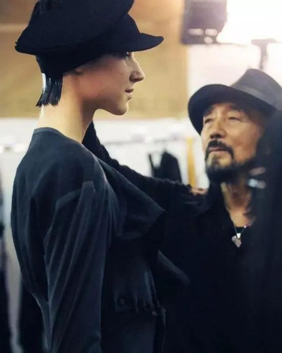 有一种惊艳 叫作王一博的女装