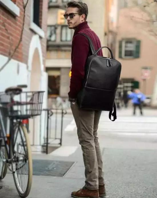 男人过了25岁以后 少背这3种包出门了