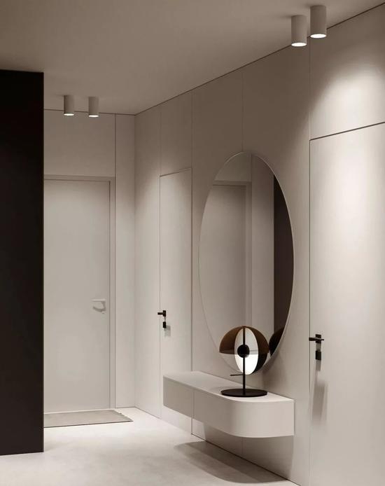 这个公寓由Roman Kot 设计