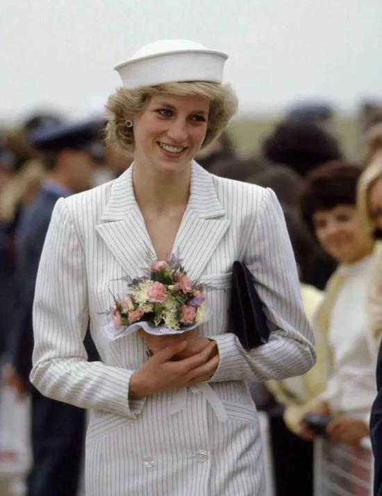 戴安娜王妃这个时尚IP 究竟谁能成功复制
