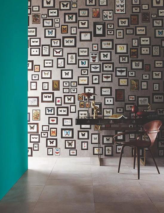 "Matthew Williamson 为 Osborne & Little 公司设计的背景墙,名为""Narissa"""