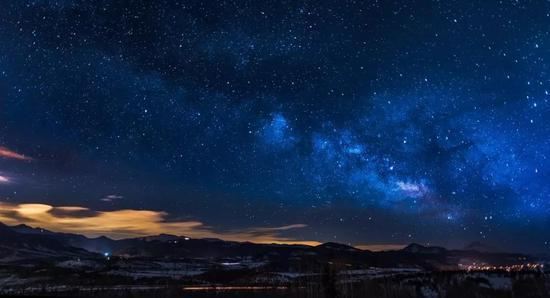 冈仁波齐和南迦巴瓦更是以高海拔取胜,在浩瀚星空排名中拔得头筹。