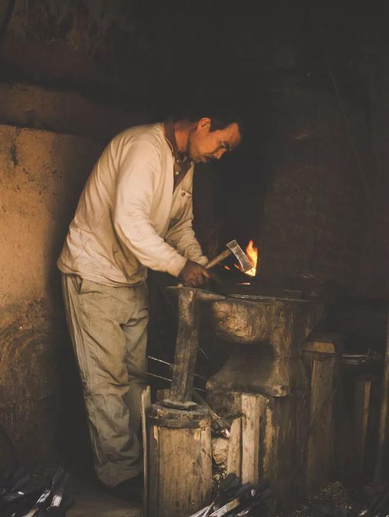 ▲老城里到处是传承的手艺人