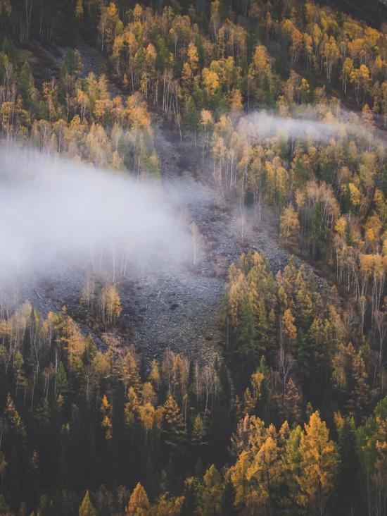 ▲黎明时的晨雾仙境,是对徒步者最好的犒劳