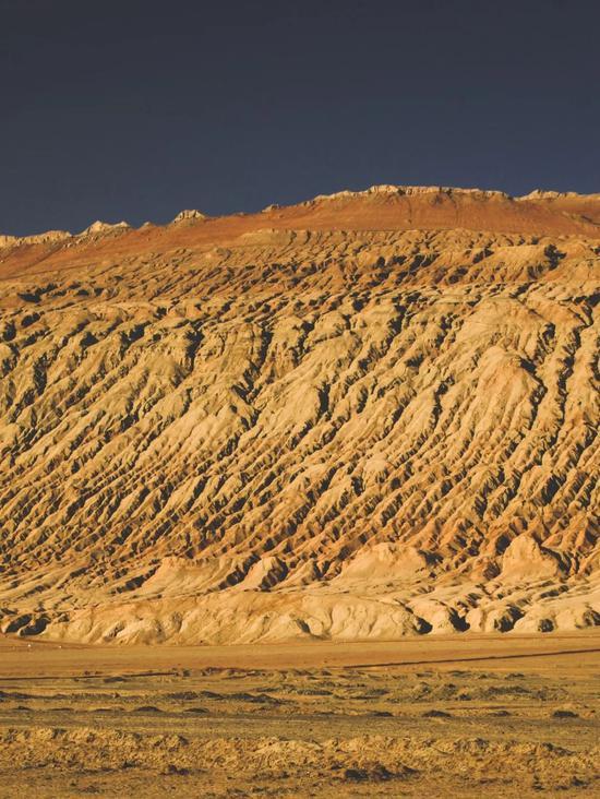 ▲吐鲁番火焰山,西游记曾经的取景地