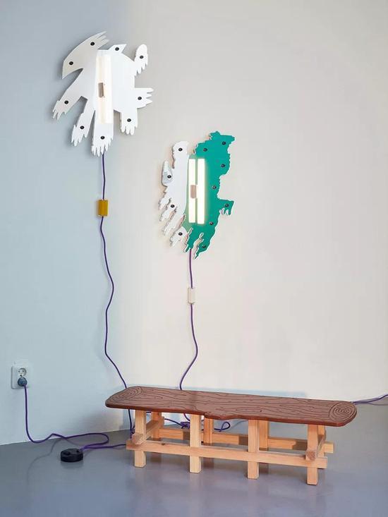 来自瑞典设计学院的Beckmans School of Design带着16位学生的作品到米兰设计周参展。