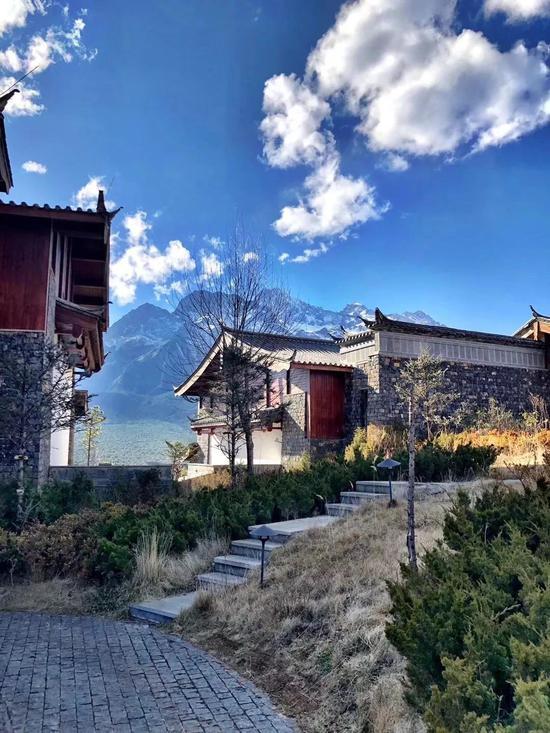 去过丽江金茂璞修雪山酒店的人,都被她惊艳了!